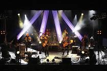 Kapela Čechomor potěšila fanoušky mimo koncertu i křtem nového CD.