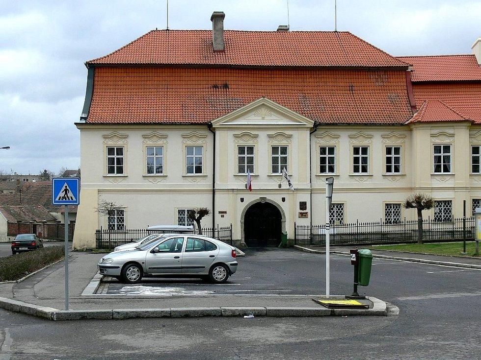 Městský úřad v Chrasti.