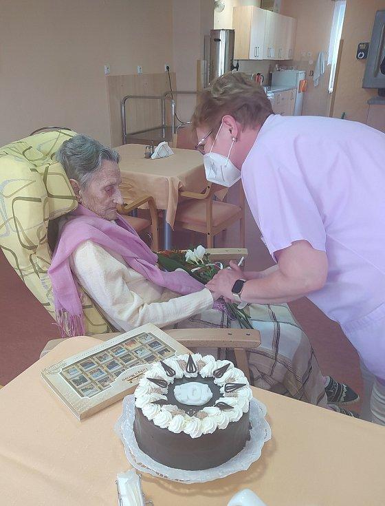 Recept na dlouhověkost? Dobře jíst a správně se chovat