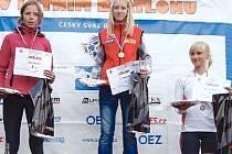 Anička Tkadlecová z Vítanova sbírá jednu medaili za druhou.