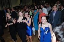 Kulturní dům v Třemošnici hostil na závěr plesové sezony Reprezentační ples Kovolisu Hedvikov.