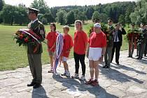Z 23. ročník štafetového běhu Ležáky - Lidice k uctění památky vyhlazených obcí za druhé světové války.
