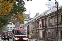 Požár jednoposchoďového domu na Pardubické ulici v Chrudimi byl založen úmyslně.