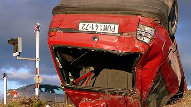 Nehoda na železničním přejezdu mezi Orlem a Kunčí.