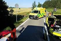 Při večerní nehodě se zranili čtyři motorkáři
