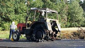 Požár traktoru Mladoňovice