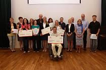Donátoři Burzy filantropie a obdarované neziskovky.