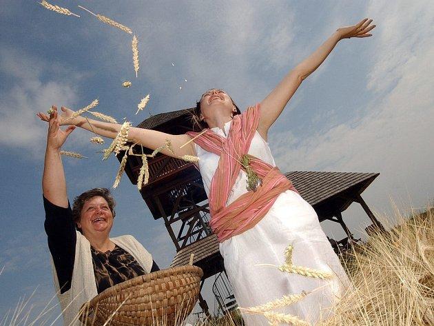Oslavy keltského svátku Lughnasad v Hradišti u Českých Lhotic v roce 2007.
