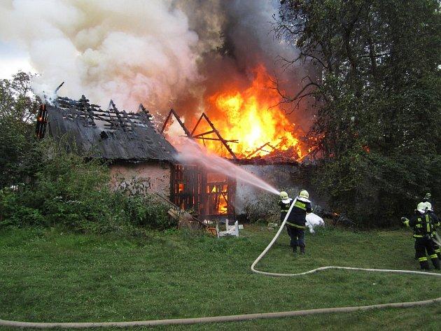 Požár zemědělské usedlosti v Rychnově u Hlinska