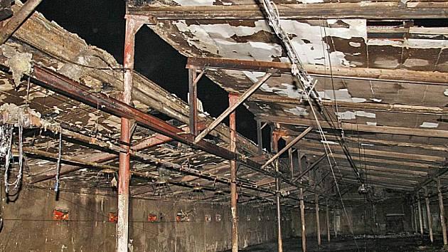 Požár drubežárny ve Rváčově napáchal velké škody.