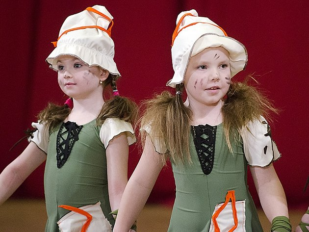 Soutěžní Festival tanečního mládí v Hlinsku