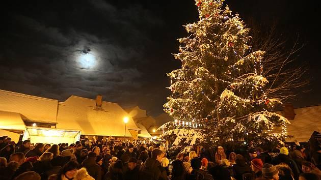 Vánoční strom v Hlinsku