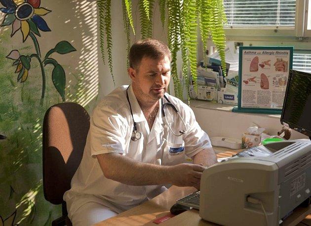 David Kasal, primář Dětského oddělení Nemocnice Chrudim.