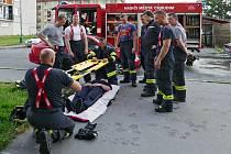 Chrudimští dobrovolní hasiči při cvičení
