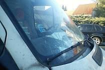 Dopravní nehoda v Hrochově Týnci u níž došlo k vážnému zranění cyklisty.