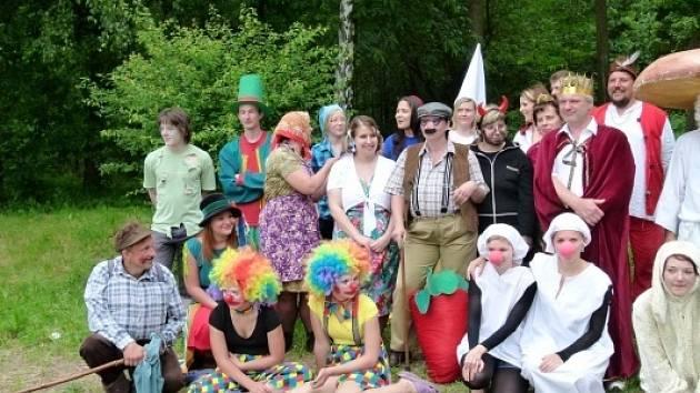 Na žumbereckém hradě a podhradí se v sobotu konal už tradiční Pohádkový les. Tentokrát s rekordní účastí dětí a rodičů.