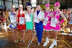 Ronovský národní šampionát mažoretek ČR 2009 ovládla děvčata z místní pohybové skupiny Rondo.