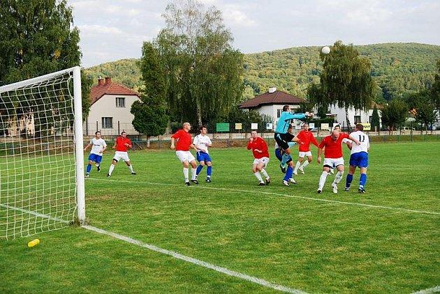 Utkání krajské I. A třídy Třemošnice - Staré Hradiště 2:0.