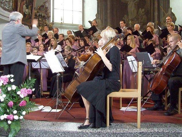 Heřmanoměstecké hudební léto baví hudební příznivce i letos.