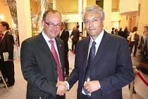 Náměstek pardubického hejtmana Roman Línek se ve dnech 21. a 22. dubna v rámci svého pracovního programu v Bruselu osobně setkal s prezidentem italského regionu Abruzzo Giovannim Chiodim.