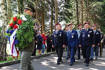 Pietní shromáždění v Národním památníku v Ležákách připomnělo 69. výročí vypálení této osady na Chrudimsku.