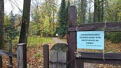 Zámecký park ve Slatiňanech po vichřici.