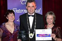 Místostarosta Chrudimě Petr Řezníček převzal ocenění v soutěži LivCom 2007.