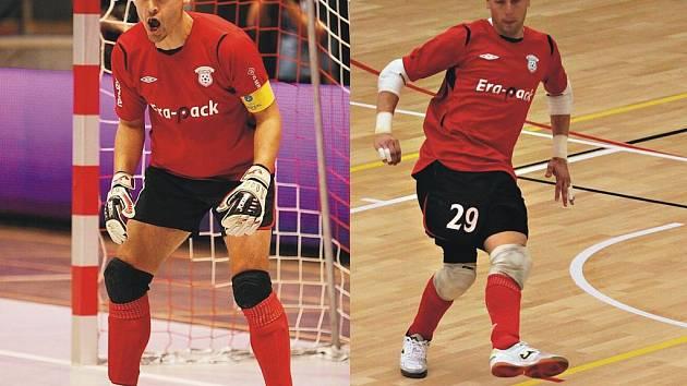 Brankáři ERA-PACKu brankářů Tomáš Meller (na snímku vlevo) a Jakub Žďánský.