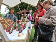 Prohlížení, obdivování a nakupování tradičních řemeslných výrobků nebo sledování pečlivě připraveného kulturního programu. Tak vypadal také letošní ročník oblíbeného Veselokopeckého jarmarku.