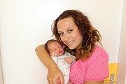LAURA DOLEJŠOVÁ (3,43 kg a 52 cm) je od 11.8. od 9:35 prvorozenou dcerou Simony a Lukáše zBlata.