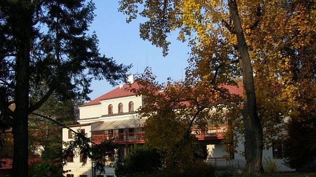 Místo odpočinku nejen pro pacienty Hamzovy léčebny, to je místní arboretum a park.