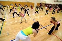 Zumbathon s Andy v Chrasti se těší velké oblibě. Stejně tak pravidelná cvičení zumby, kam chodí nejen ženy, ale i muži.