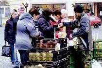 Pravidelné středeční trhy na Resselově náměstí v Hradci Králové.