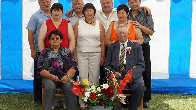 Diamantová svatba. Anna a Josef Sochorovi z Jenišovic oslavili šedesát společných let v manželství.