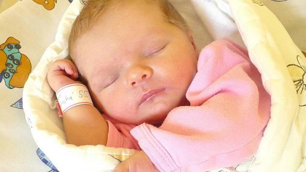 SARAH MALINSKÁ. Sestřička tříleté Claudie ze Skutče přišla na svět 19. srpna v 11:32 s váhou 3,39 kilogramu a délkou 49 centimetrů. Tatínek Vladimír byl mamince Simoně u jejího porodu velkou oporou.