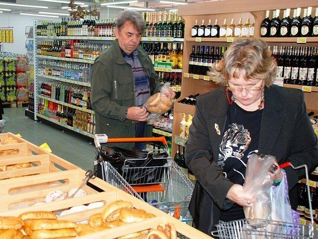 Obyvatelé Třemošnice se dočkali rozšíření služeb. Novou prodejnu tu otevřela Jednota.