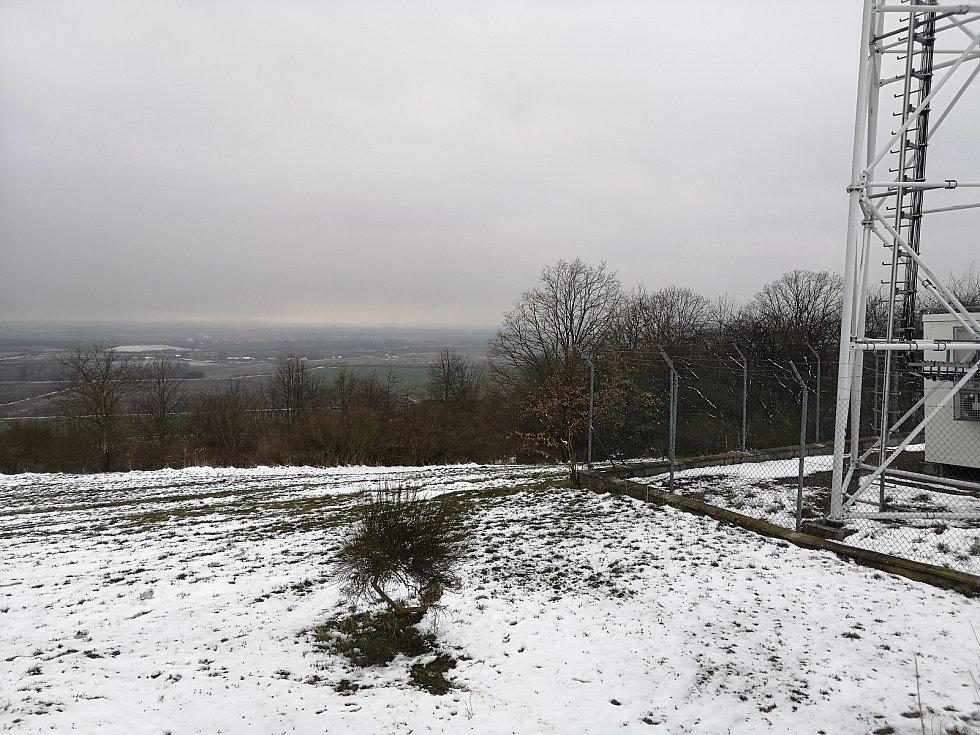 Trojmezí podhořanské - pohled z okresu Pardubice od základny stožáru.