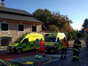 Nehoda v Heřmanově Městci.  Auto zde srazilo dva chodce.