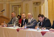 Zprava starosta František Pilný, první místostarosta Petr Lichtenberg a místostarostové Pavel Štěpánek a Aleš Nunvář.