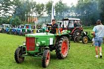 V sečských Počátkách se konal třetí sraz historických traktorů a traktůrků domácí výroby, takzvaných domovin.