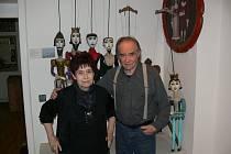 Věra Říčařová a František Vítek komentovali svou výstavu v muzeu.