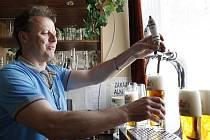Pivo Rychtář Rataj je čtyřikrát chmelený ležák.
