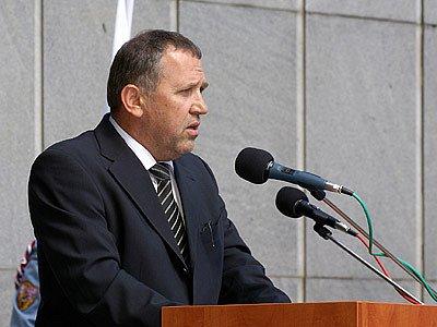 Poslanec Ladislav Libý za řečnickým pultem.