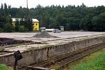 Zásobníky plynu a distribuční sklad vysokomýtské společnosti Prontogas mají vyrůst v blízkosti nádraží v Čachnově.