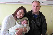 Honzík Michek s rodiči.