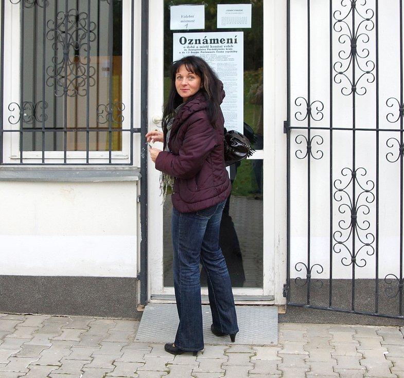 Volební místnosti se v pátek 12. října otevřely i v Chrudimi.