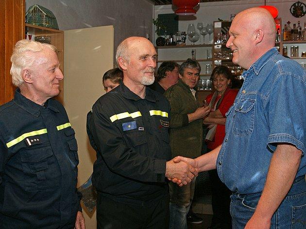 Hasičští odboráři se rozloučili s Ladislavem Trojanem a Vlastislavem Buřilem, kteří odešli do dcůchodu.