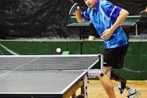 Stolní tenista David Půlpán i přes svůj handicap dosahuje skvělých mezinárodních úspěchů.