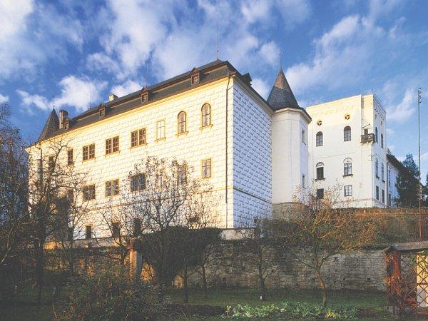 Státní zámek Slatiňany.