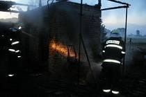 Špatně uhašené ohniště způsobilo ve Stíčanech patnáctitisícovou škodu.